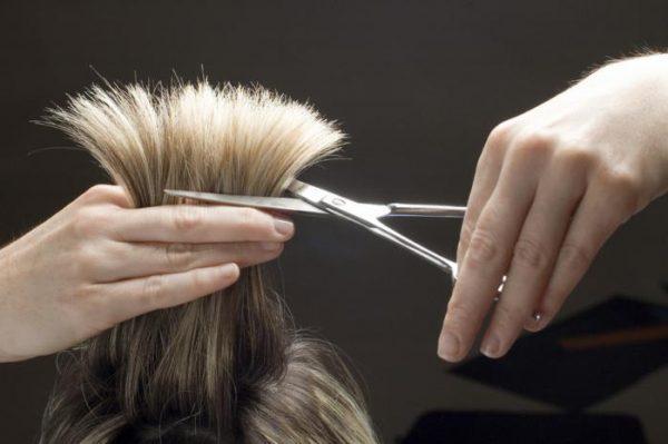 Благоприятные дни для стрижки волос в октябре 2021 года по лунному календарю