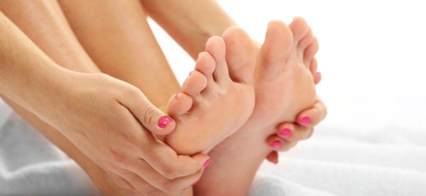 К чему чешется большой палец на ноге
