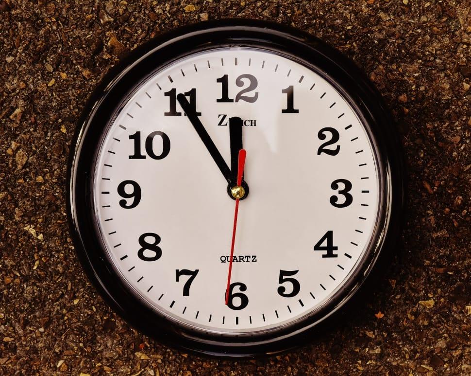 Чихать в пятницу: расшифровка приметы по точному времени
