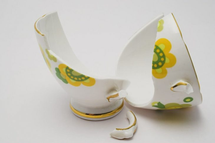 Разбитая посуда